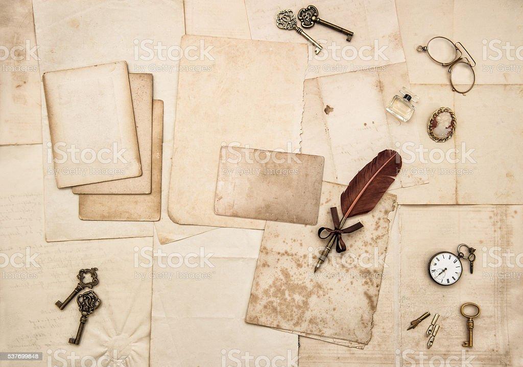 Klassisch handgeschriebene Briefe und Postkarten Papier flache legen – Foto