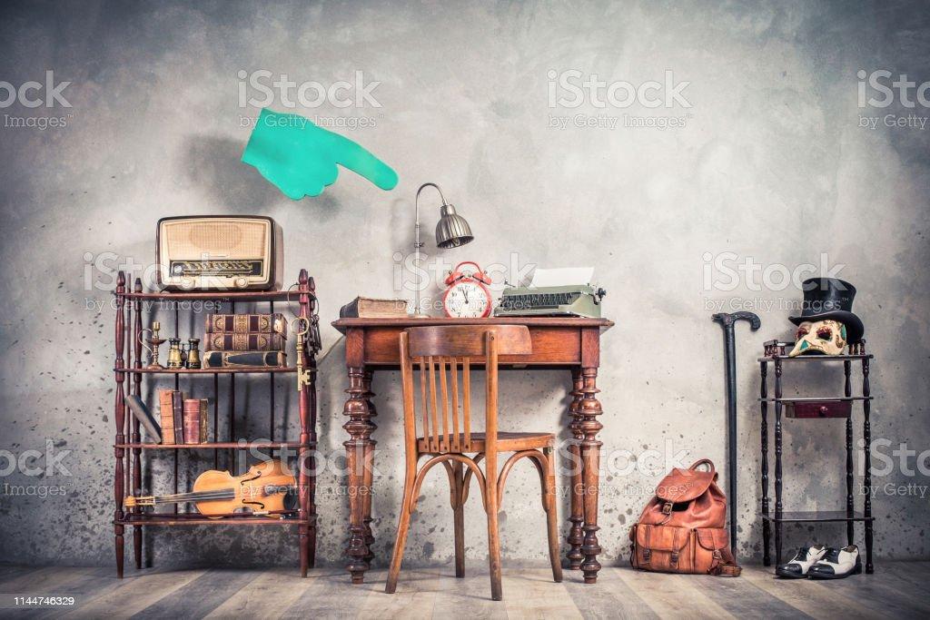 Photo libre de droit de Chambre Loft Vintage Avec Chaise ...