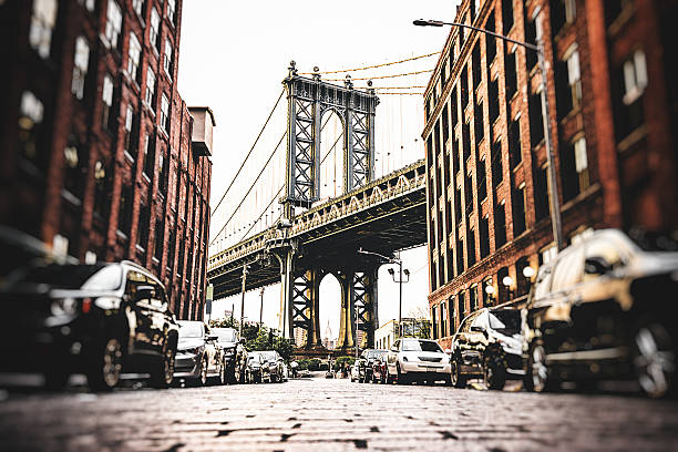 vintage manhattan bridge in new york - lower east side manhattan stock pictures, royalty-free photos & images
