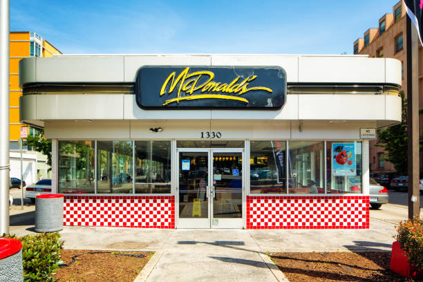 Vintage Mcdonalds Restaurant Exterior In Oakland California Stock Photo