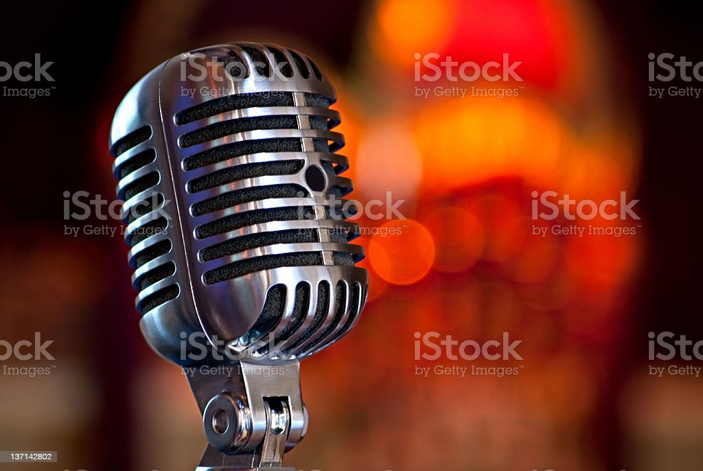 Vintage microfone - foto de acervo