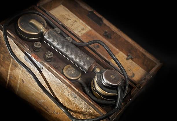 Telefone militar Vintage - foto de acervo