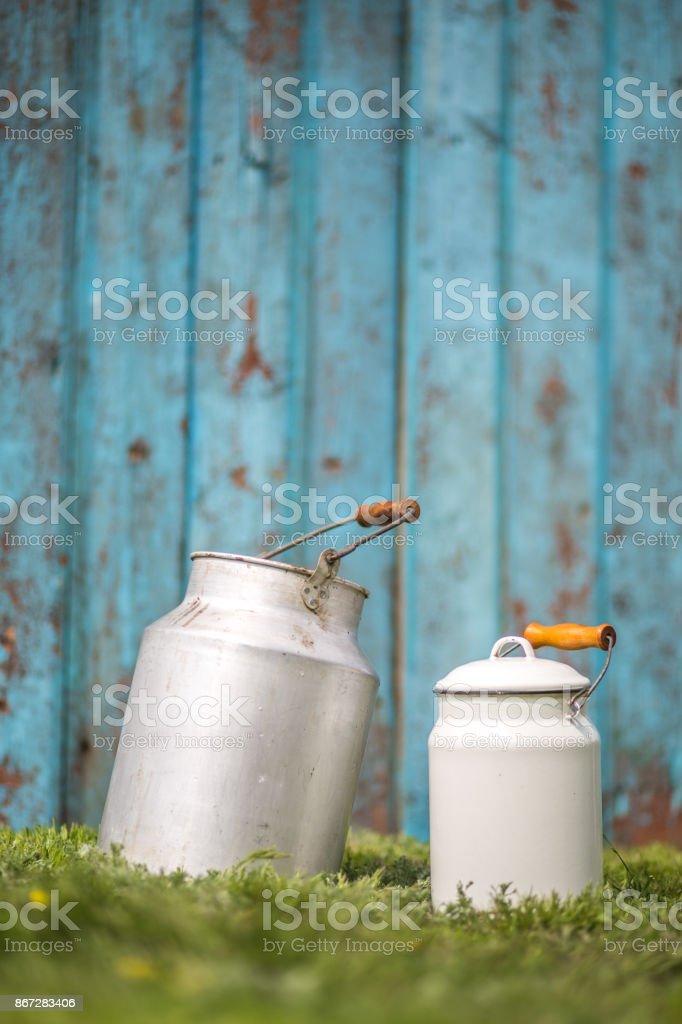Vintage melk blikjes foto