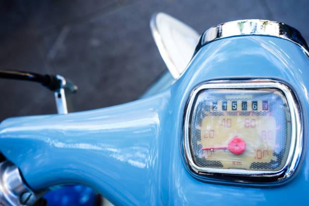 vintage odometer - cartello stradale italia km foto e immagini stock