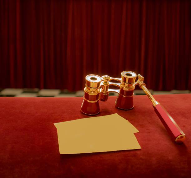 劇場でオペラ サングラス - オペラ ストックフォトと画像