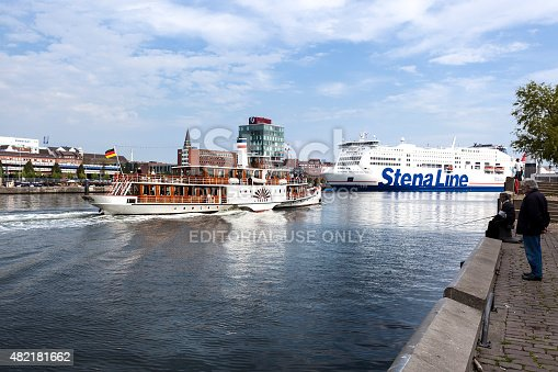 istock Vintage paddlesteamer and Ferryboat 482181662