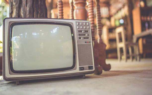 vintage foto - film oder fernsehvorführung stock-fotos und bilder