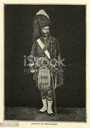 Vintage photograph of Officer of the Highland Regiment, British Army, 19th Century