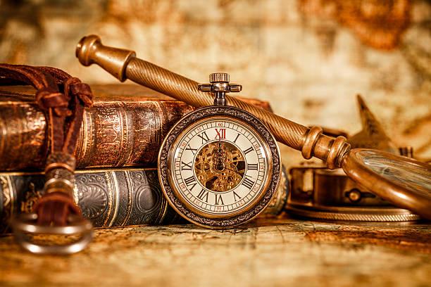 Antigo relógio de bolso - foto de acervo