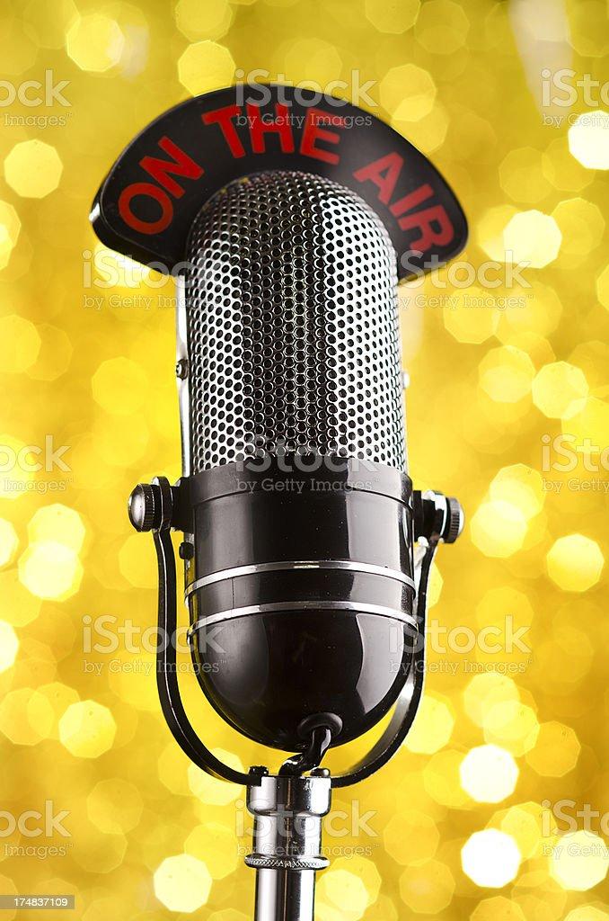 Rádio Vintage microfone - foto de acervo