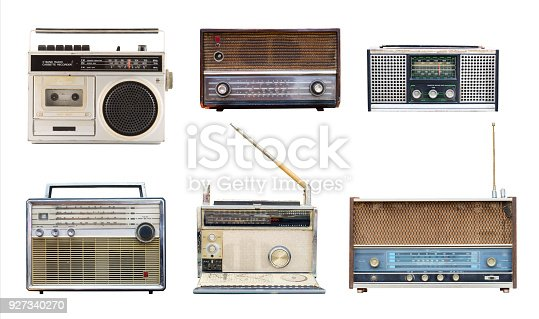 istock vintage radio 927340270