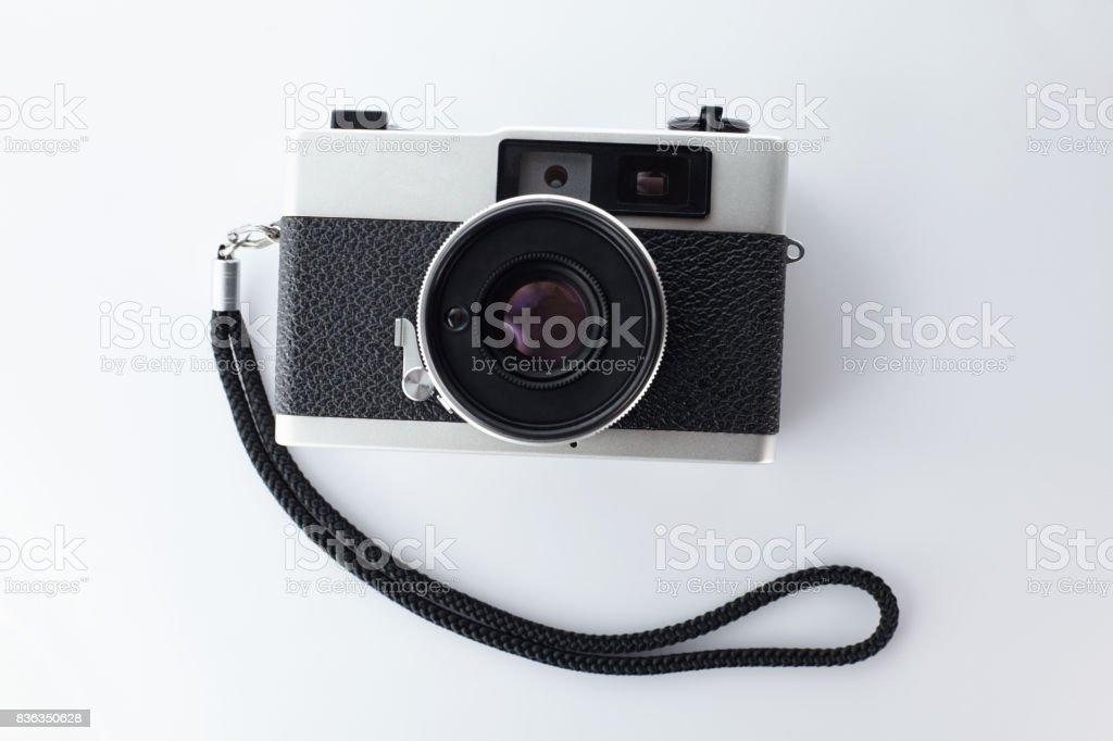 Vintage entfernungsmesser filmkamera auf weißem hintergrund