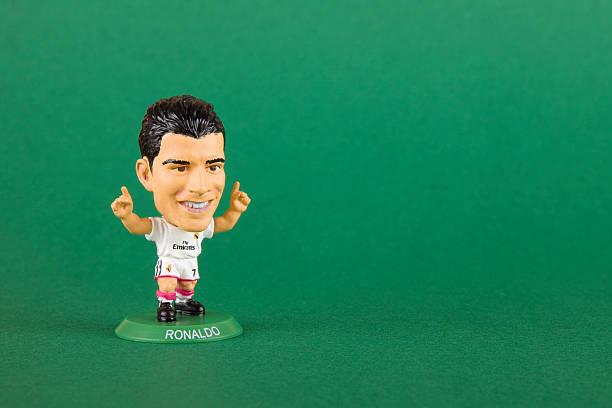 vintage soccerstarz brinquedo em miniatura xxxl jogador de futebol - ronaldo imagens e fotografias de stock