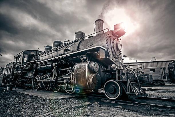 vintage-dampflokomotive - lokomotive stock-fotos und bilder
