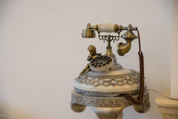 vintage telefon stil - nostalgie telefon stock-fotos und bilder