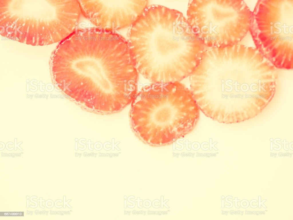 Vintage tone. Closeup and abstract of juicy strawberry sliced texture. foto stock royalty-free