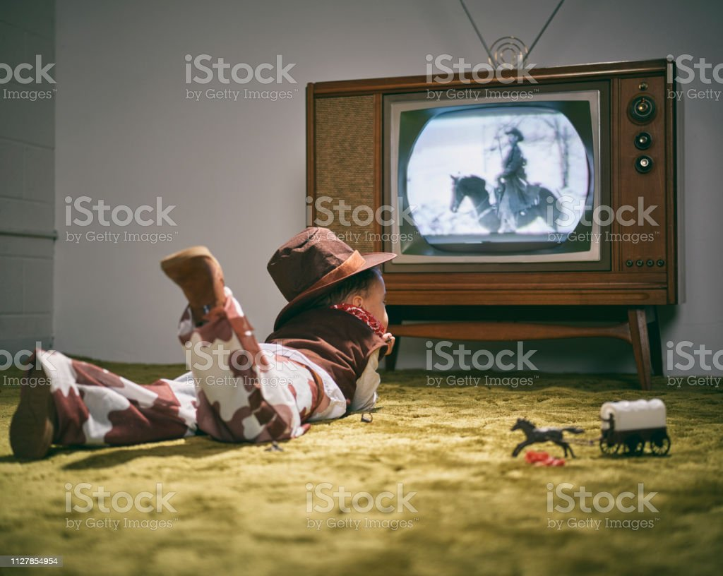 Vintage TV und kleine Junge Cowboy – Foto