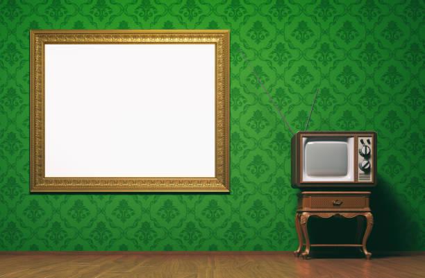vintage tv-raum-konzept mit exemplar - damast wand stock-fotos und bilder