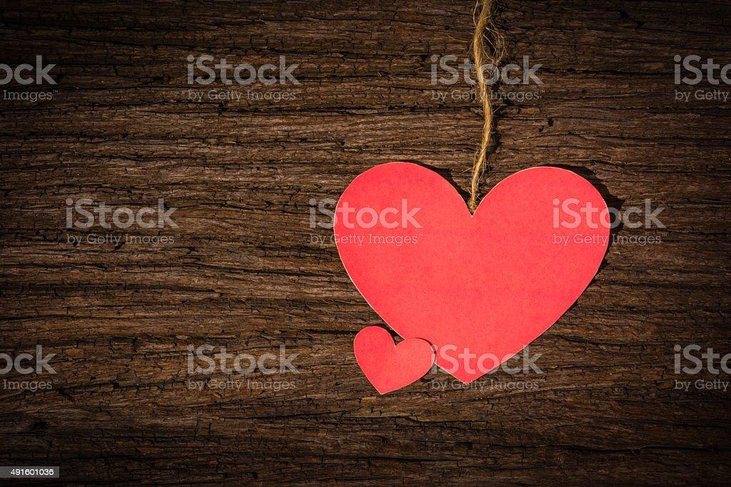 vintage valentine card zwei rote Herzen auf hölzernen Hintergrund – Foto