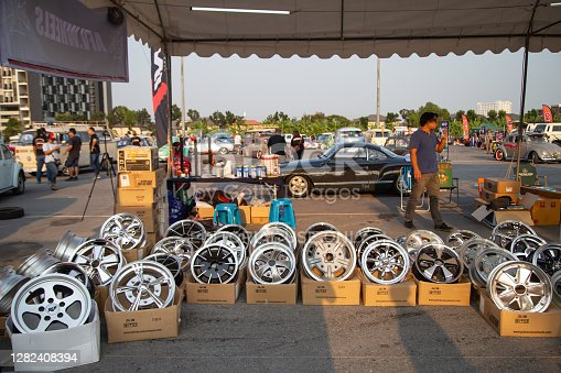 istock Vintage VW used spare parts sell at Volkswagen club meeting 1282408394