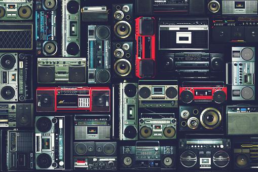 80 Lerin Radyo Seren Duvar Stok Fotoğraflar & 1980-1989'nin Daha Fazla Resimleri