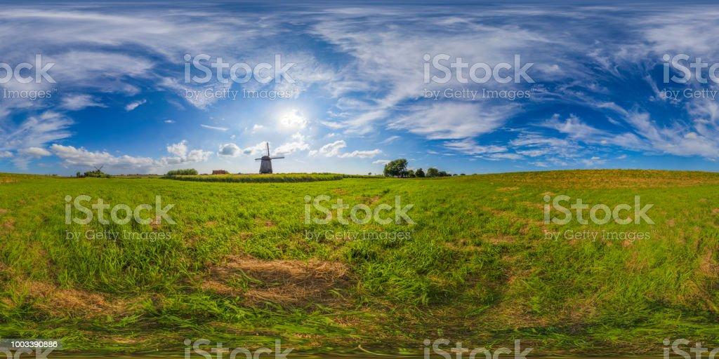 antiguos molinos de viento de Países Bajos (panorama de 360 grados HDRi) - foto de stock