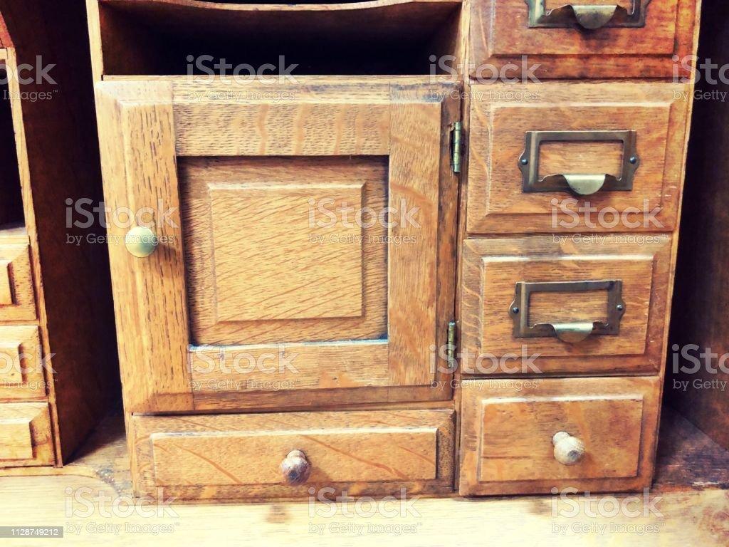 Vintage Holz Aktenschrank Schubladen Mit Messing Pull Und Holzerne