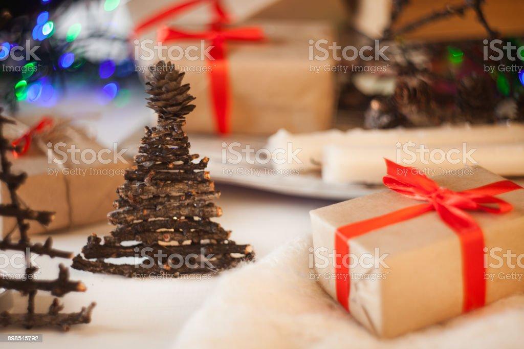 árbol De Navidad Vintage Caja De Regalo Con Decoración
