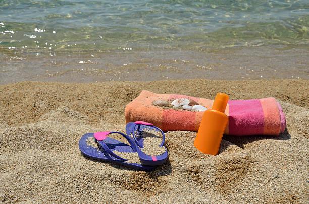 Violet Flip Flops and Beach set foto