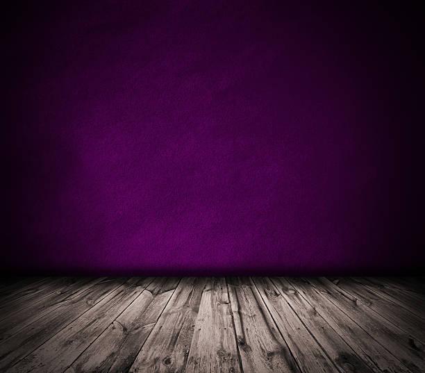 Violeta de pared y el piso de madera interior de fondo - foto de stock