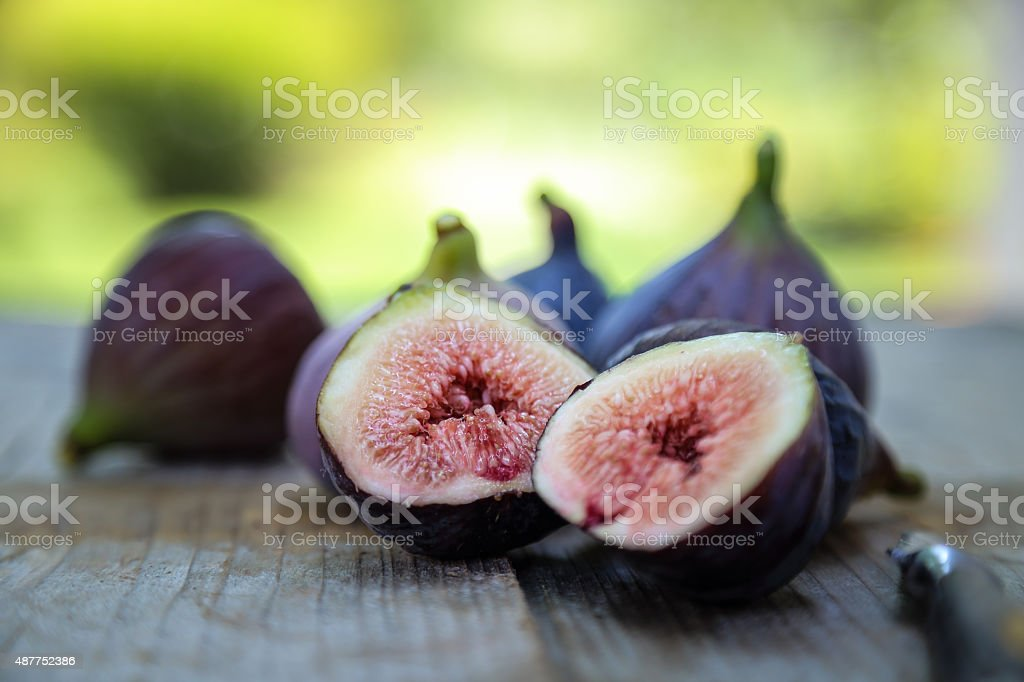 Violette de Bordeaux fig cross section stock photo