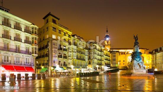istock Virgen Blanca Square  in night.  Vitoria-Gasteiz 539235484