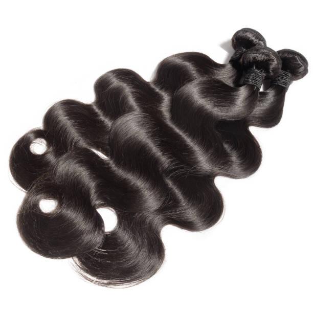gewellte schwarze echthaar virgin remy körper webt erweiterungen - halbperücke stock-fotos und bilder