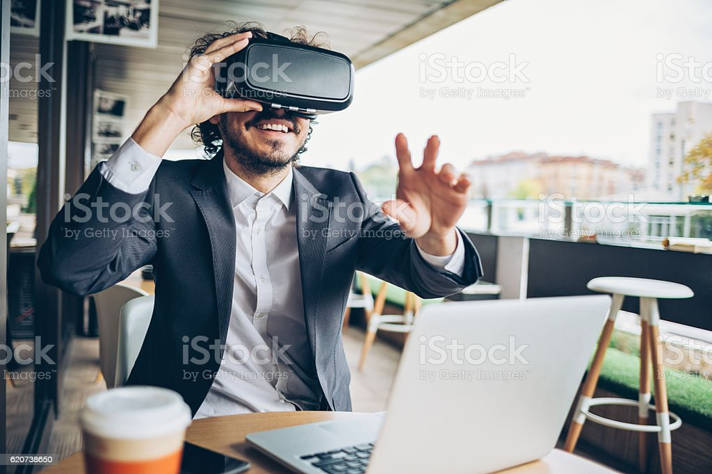 Virtual reality entertainment - Photo