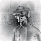 istock Virtual reality goggles and futuristic man 526718858