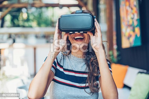 609822310istockphoto Virtual reality headset 601008544