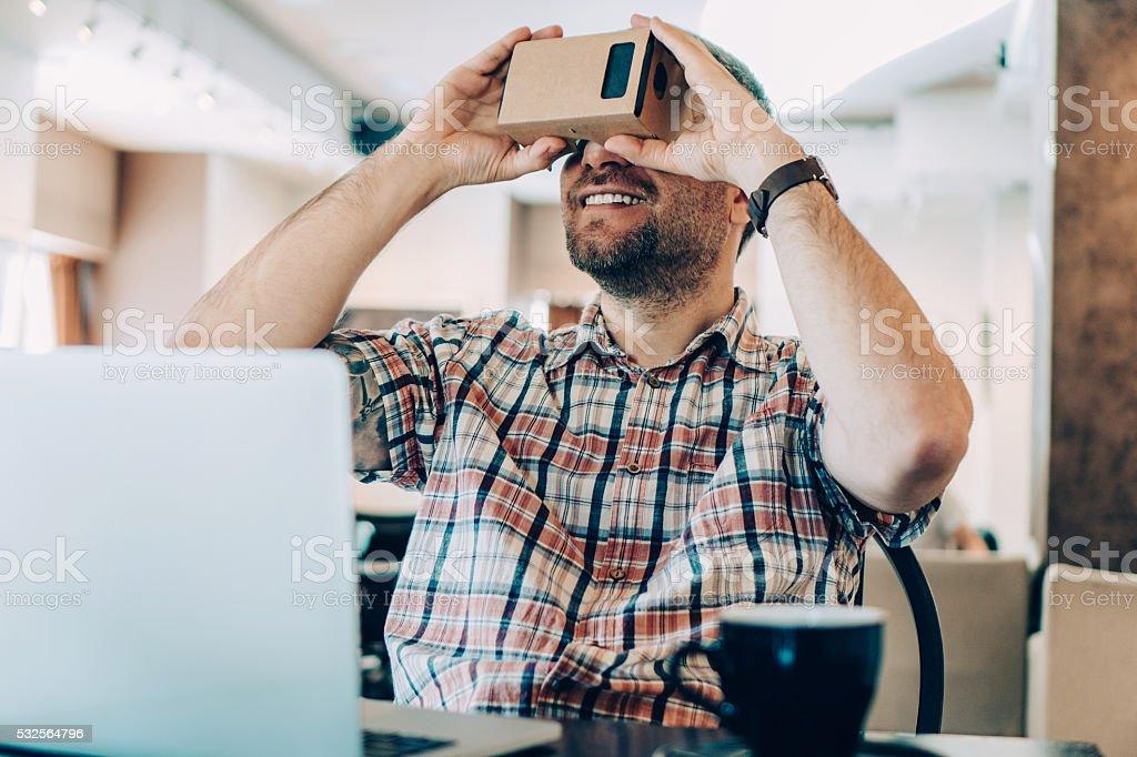 La réalité virtuelle dans le Café boutique - Photo