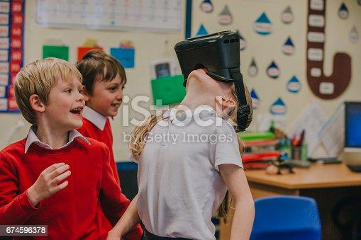 682285886 istock photo Virtual Reality In The Classroom 674596378