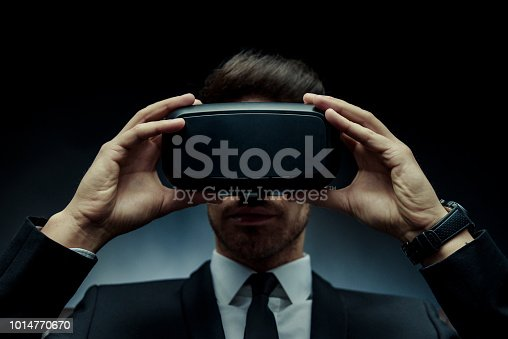 istock Virtual Reality 1014770670