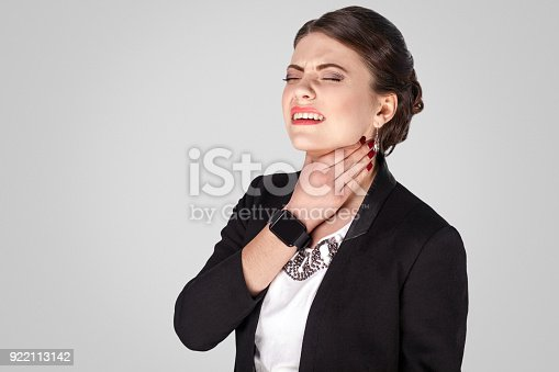 istock Virus, throat. Uncomfortable pain in neck 922113142