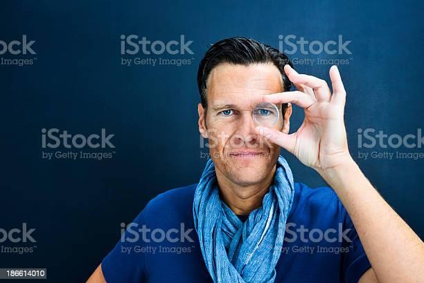 Vision man looking through lens picture id186614010?b=1&k=6&m=186614010&s=612x612&h=znj90pyjorvegtqegrbfzljbkbdhi7v9dv1iwkwyxts=