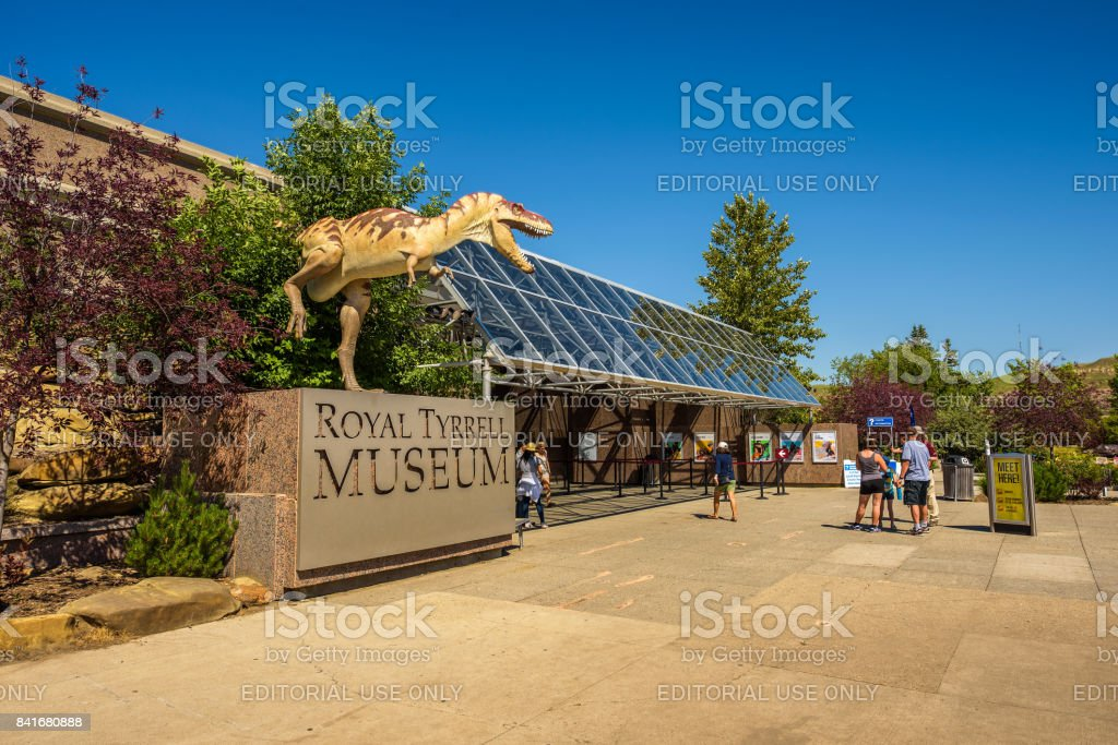 Visitors at the front entrance of the Royal Tyrrell Museum of Palaeontology stock photo