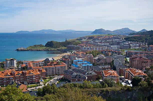 Vista de Castro-Urdiales (Cantabria)  santander spain stock pictures, royalty-free photos & images
