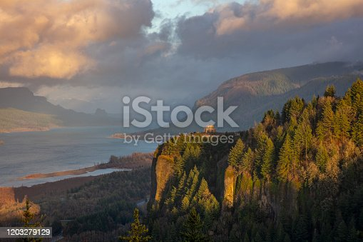 Vista House at Crown Point in the Columbia River Gorge, Oregon.