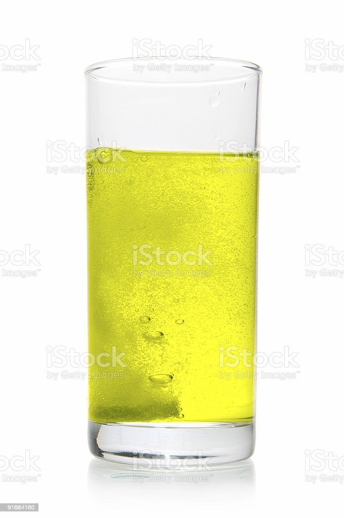Vitamintablette auflösen in Glas – Foto