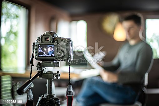 Adult, Adults Only, Blogging, Broadcasting, 20-29 Years,  Camera - Photographic Equipment