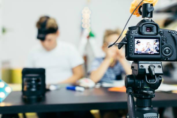 vlogs - do it yourself videos stock-fotos und bilder