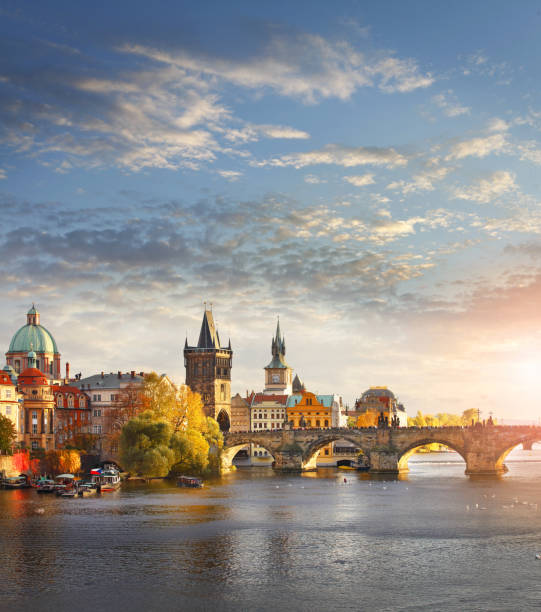 vltava river and charles bridge in prague - czech republic stock pictures, royalty-free photos & images