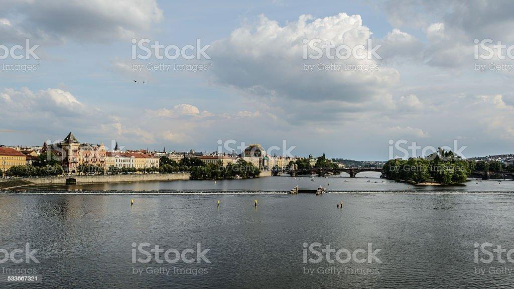 Rio Vltava em Praga foto royalty-free