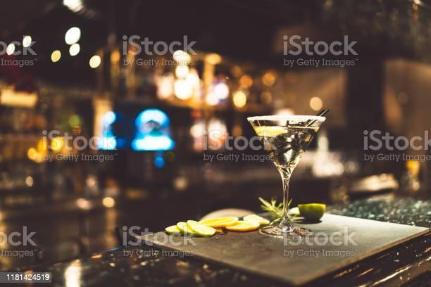 Vodka martini cocktail on a counter in a bar picture id1181424519?b=1&k=6&m=1181424519&s=612x612&h=ahbza240 oghpxdsbzs9siglhudqnak1cjo8ndtoxiq=